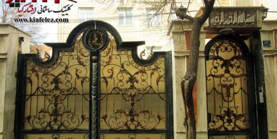 درب فلزی،درب پارکینگ،درب مدرن شیک،درب زیبا،درب ساختمان،درب ورودی،درب حیاط،درب باغ،درب ویلا